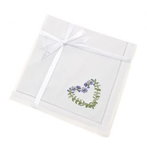 At Home in the Country - Heart Garland Napkin